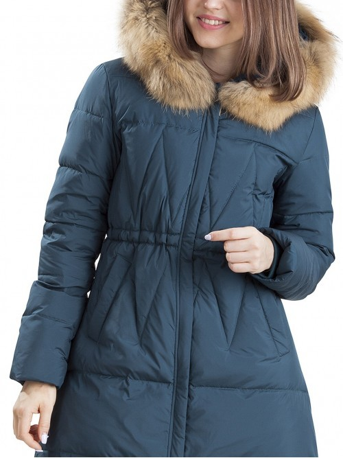 Taliowana puchowa kurtka z futrem