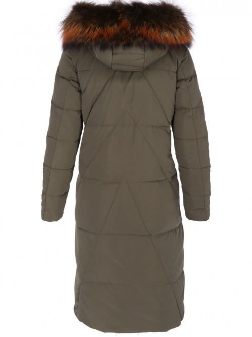 Długi pikowany płaszcz damski
