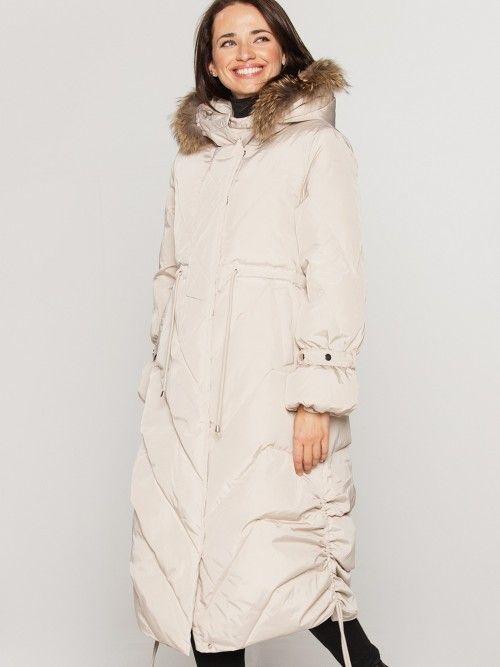 Płaszcz pikowany z bufiastymi rękawami
