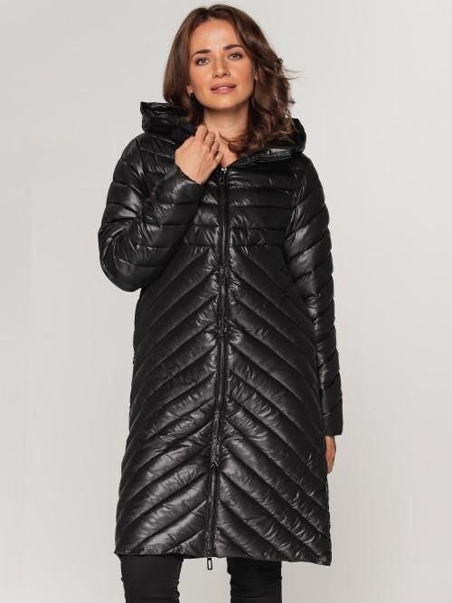 Klasycznie pikowany płaszcz z kapturem